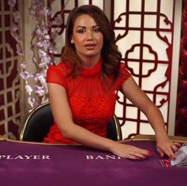 Stratégies au Baccarat pour jouer aux tables de baccara avec croupiers en direct